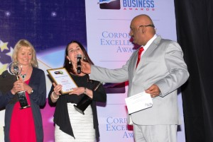 Receiving the Thought Leaders Award in Mumbai